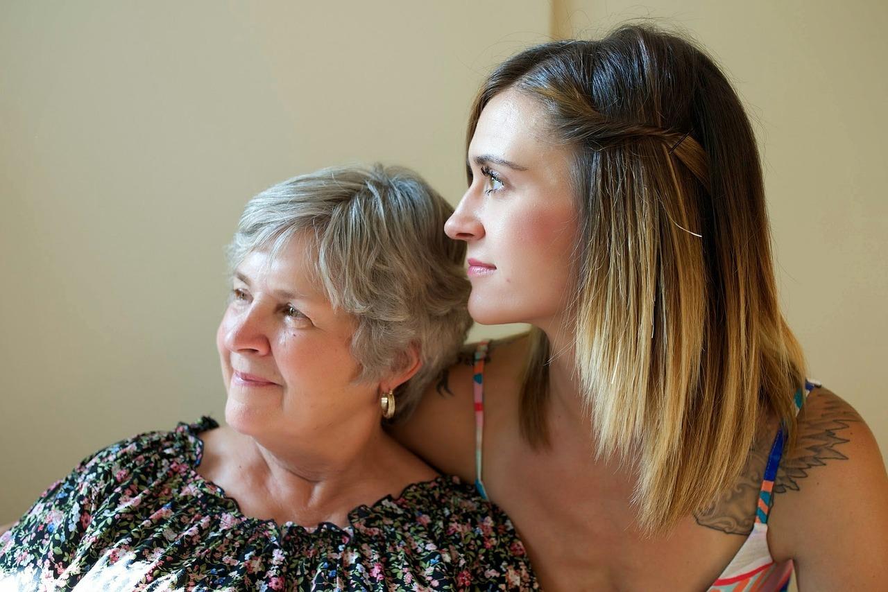 Opiekunka ze starszą panią