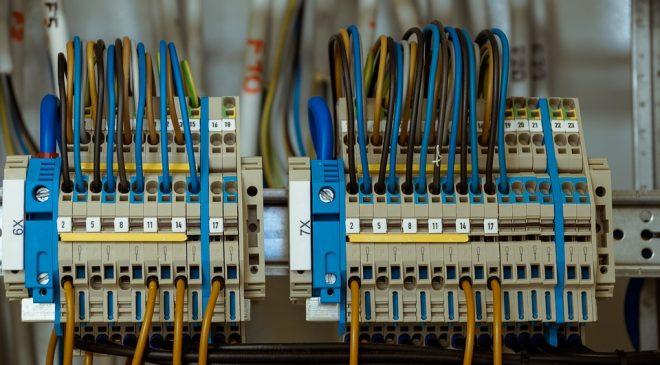instalacje elektryczne w domu