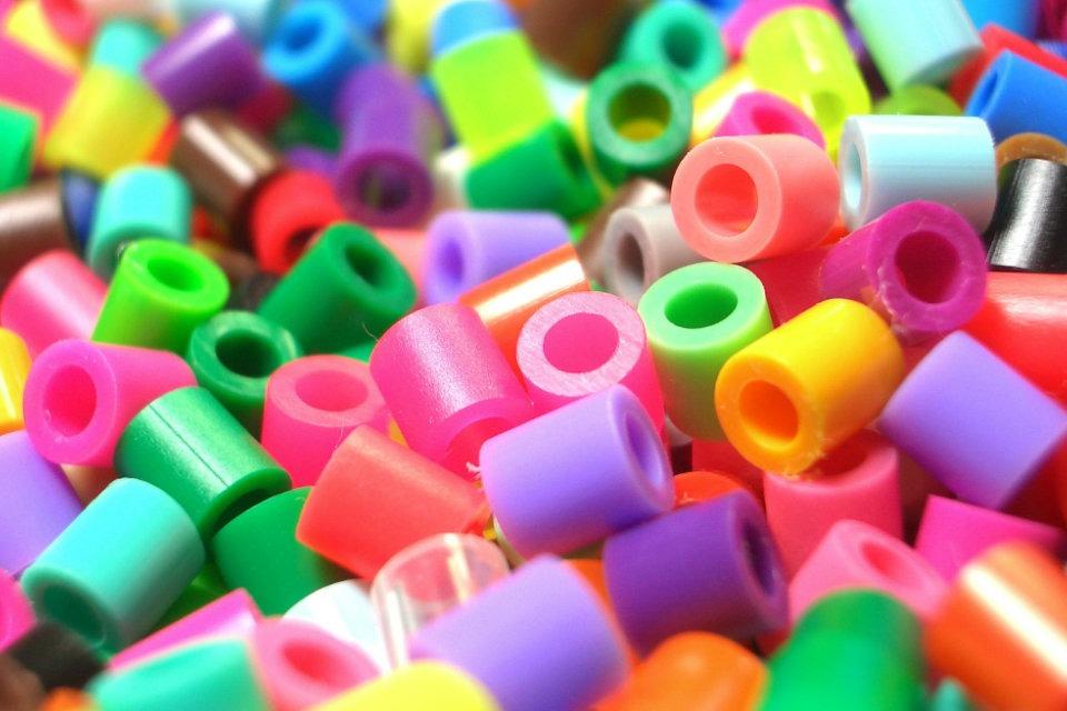 Barwienie tworzyw sztucznych